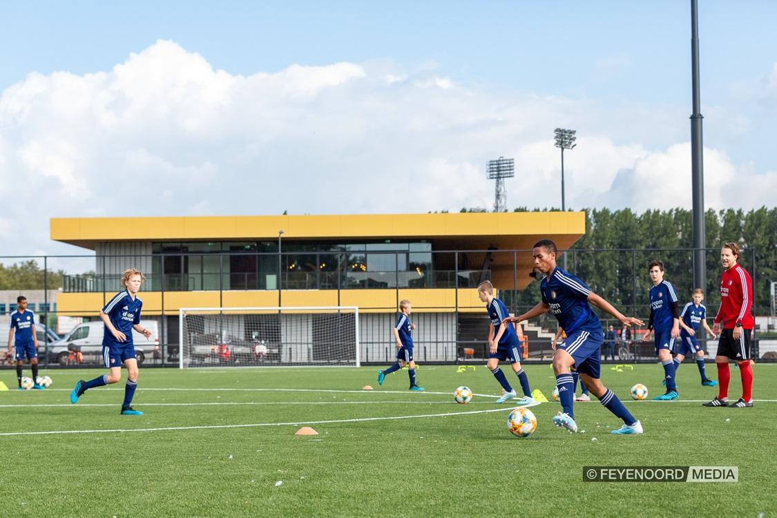 SC Feyenoord zoekt trainer voor O15